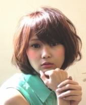 パーマ~髪を柔らかい質感にみせてくれるベージュ系カラーと、ゆるく動くパーマ...