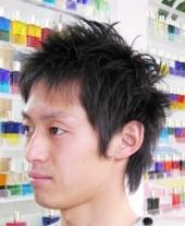 メンズ~何もしないとつぶれてしまう髪に 毛束になるように特殊なハサミで大胆...